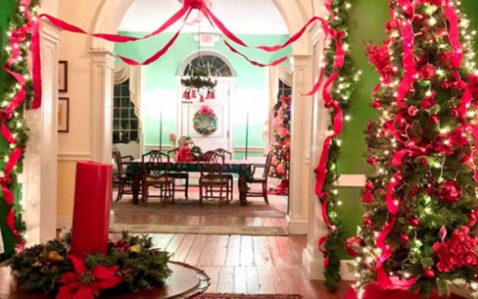Proprietary House Shades of Red Holidays in Perth Amboy