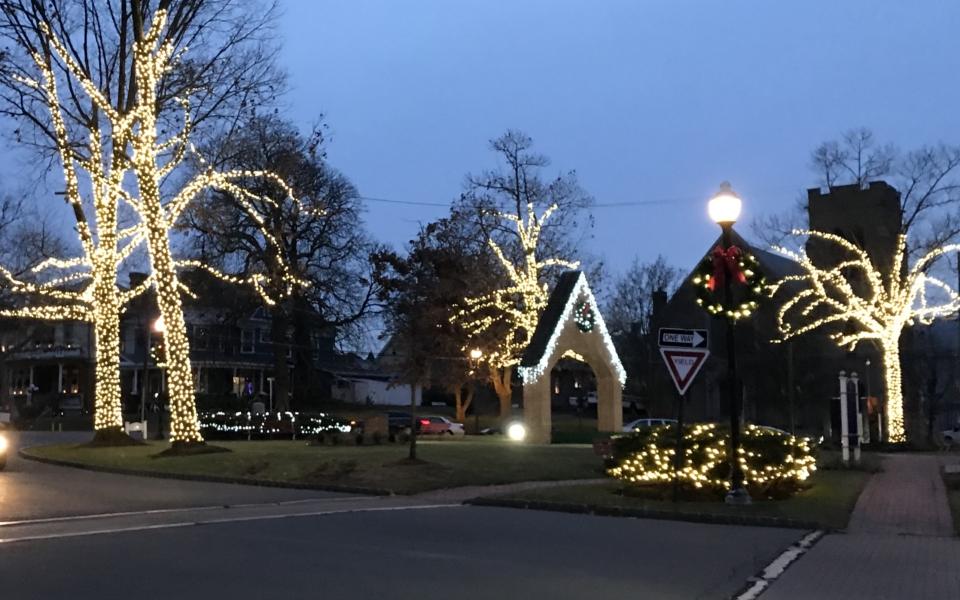 Perth Amboy City Hall Circle Tree Lights